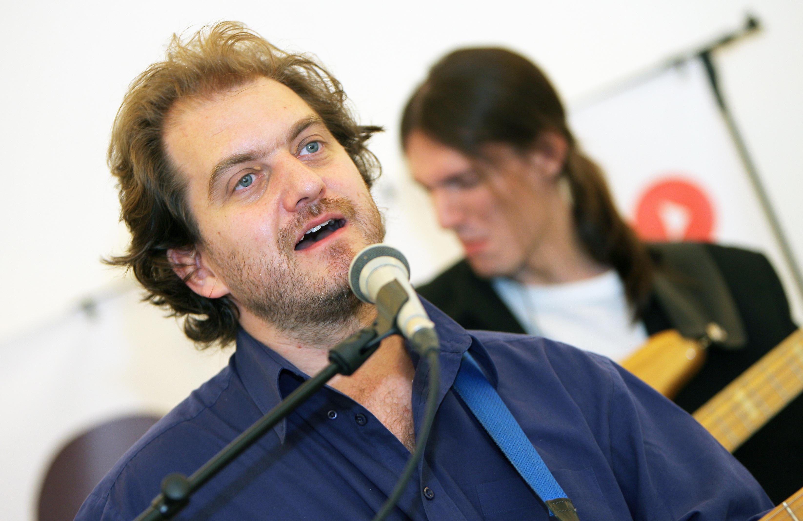 Tomáš Nykl - Kytara, zpěv